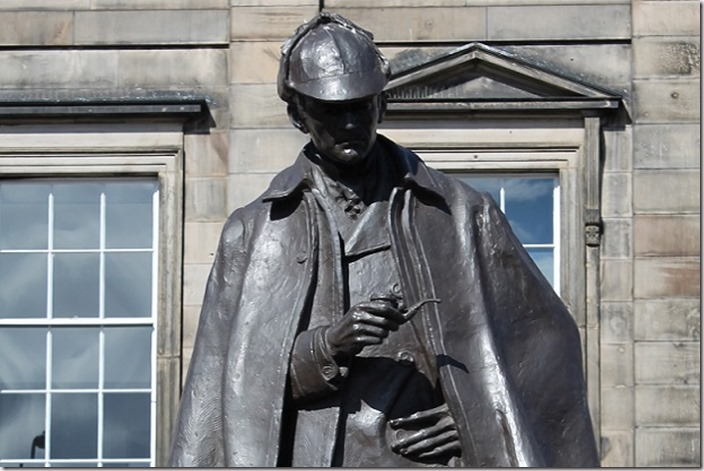 Sherlock-Holmes-statue